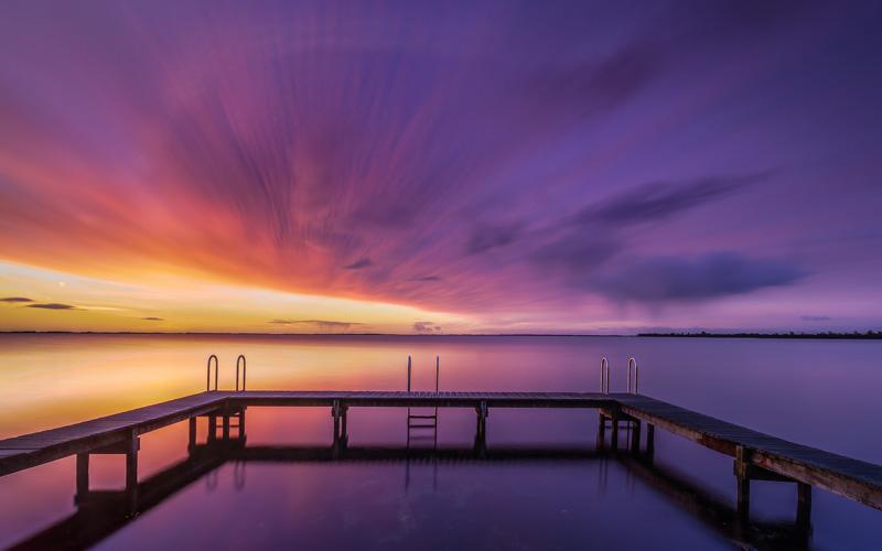 Nummer 7 - zonsopkomst bij  het haventje van Ouddorp