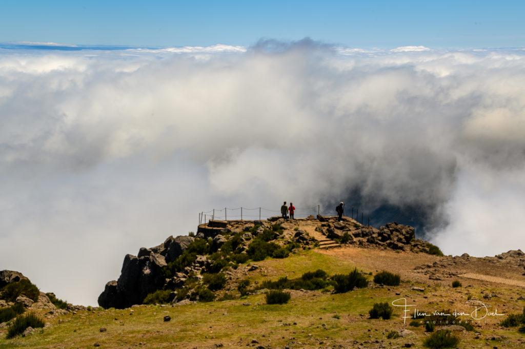 Uitzicht op de wolken bij Pico do Arieiro